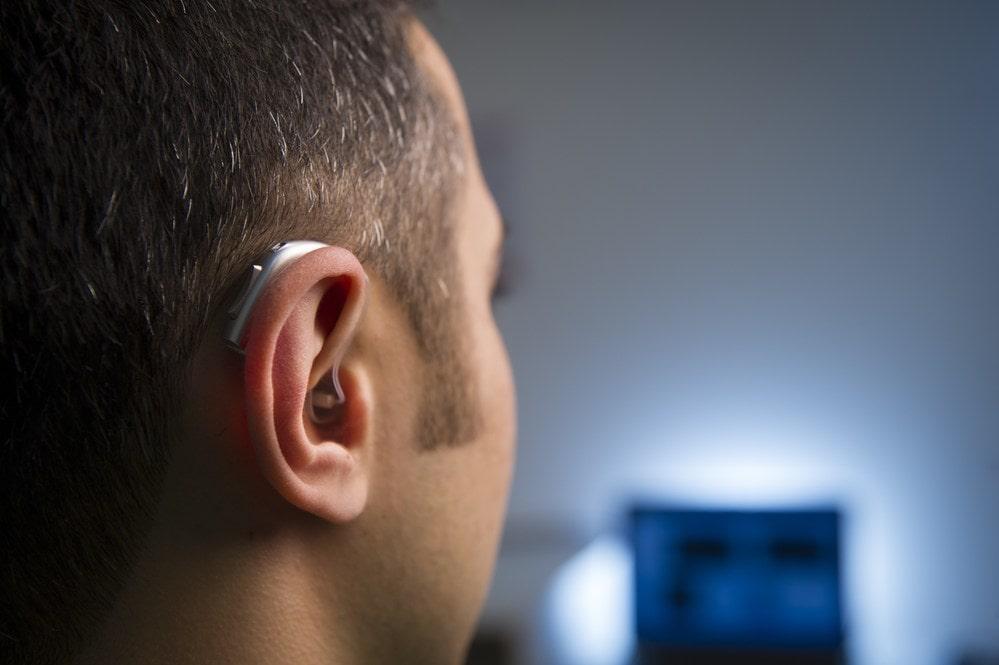 Голос в слуховых аппаратах