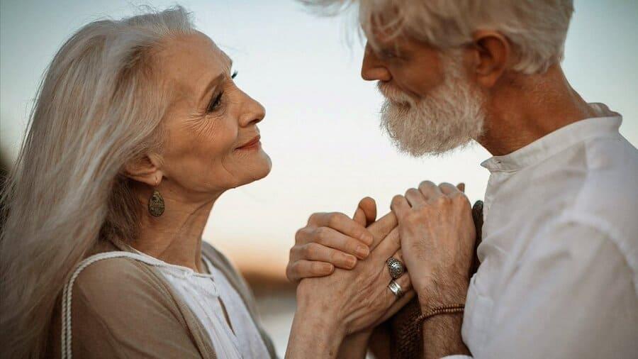 нарушения слуха и отношения